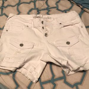 cute all white frayed shorts